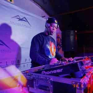 DJ Stoks – Room 8 Mix